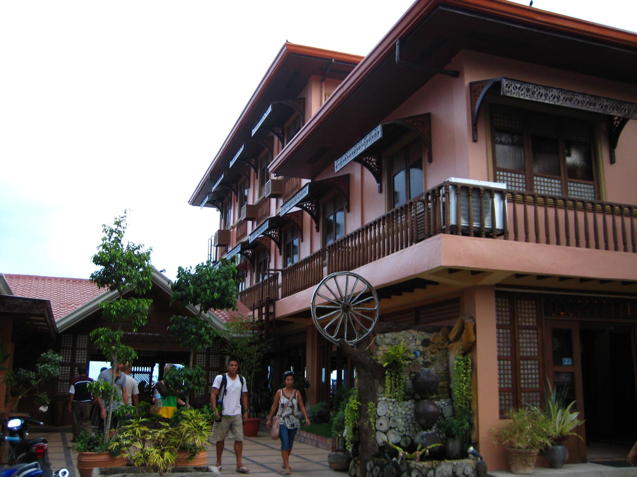 Capiz windows philippine interiors and architecture for Capiz window
